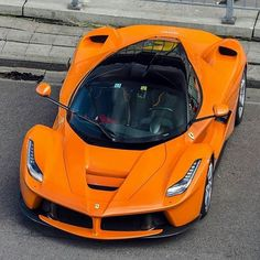 La Ferrari Follow @F