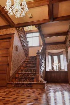 1904 Shingle Victorian - Estherville, IA - $215,000 - Old House Dreams