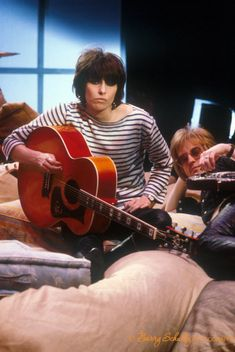 Check out these fantastic classic pictures of THE PRETENDERS from the by photographer Barry Schultz, for collectors and media buyers. Music Icon, I Icon, Rock N Roll Music, Rock And Roll, World Music, Music Is Life, Chrissie Hynde, Jeff Beck, The Pretenders
