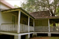 Reminds me of my home.  #Floridahomes #Florida Cracker style home in...