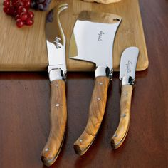 Laguiole Cheese Knife Set.