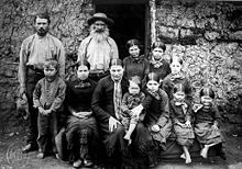 The Boer nation is mainly descended from the Dutch, Germans, and French Huguenots, who migrated to South Africa during the and early centuries. South African Tribes, Old Photos, Vintage Photos, Chatham Dockyard, Santa Helena, In Patagonia, Digital Archives, American Spirit, African History