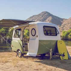 The smooth design and two-tone color scheme of Happy Camper's may remind you of the happy camping time with a vintage camper van, but the modern interior of Happy Campers, Happy Camper Trailer, Vintage Campers, Retro Campers, Vintage Trailers, Vintage Motorhome, Tiny Trailers, Small Trailer, Camper Trailers