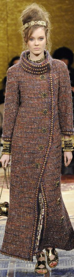 www.2locos.com Chanel pre fall 2011 Paris Byzance collection