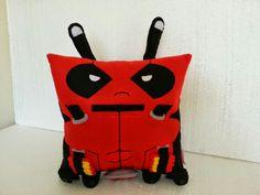 Almofada Deadpool! Mais um produto com a qualidade Rbitencourt! Você pensa. ...nós fazemos! Visite-nos : www.r-bitencourt.blogspot.com.br #pillows #almofadas #cushions #deadpool #hero #heroes