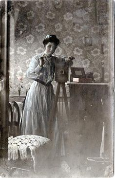 vintage everyday: 29 Interesting Vintage Photographs of Photographers Posing with Their Cameras from the 19th Century