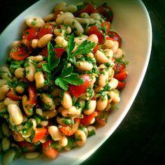 La Dama Cooks: Canellini Bean Salad with Herb Vinaigrette