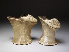 These Venetian chopines (ca 1600) are made of pine-wood. A chopine is a type of women's platform shoe that was popular in the 15th, 16th and 17th centuries. Chopines were originally used as a patten, clog, or overshoe to protect the shoes and dress from mud and street soil.