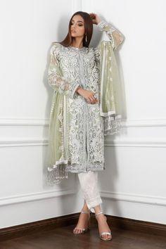 Latest Pakistani Dresses, Latest Pakistani Fashion, Pakistani Wedding Dresses, Pakistani Dress Design, Asian Fashion, Latest Fashion Trends, Designer Wear, Designer Dresses, Medium Size Shirt