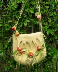 Gallery.ru / Фото #27 - BAGS II - renew  needle felted bag w/flowers