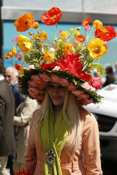 Easter Parade, New York, Fifth Avenue, April, 2015 Crazy Hat Day, Crazy Hats, Easter Hat Parade, Easter Bonnets, Funky Hats, Flower Costume, Types Of Hats, Kentucky Derby Hats, Diy Hat