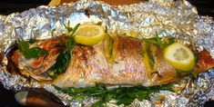 Barbecued foiled fish it is perfect dish for different table, you can take any kind of fish. The recipe will do the fish aroma and very delicious and juicy. Grilled Red Snapper, Red Snapper Fillet, Fish Dishes, Tasty Dishes, Grill Fish In Foil, Red Snapper Recipes, Greek Cooking, Vegetable Stew, Seafood