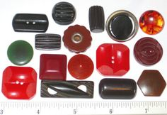 Special-Collectible-BAKELITE-Early-Plastic-BUTTONS