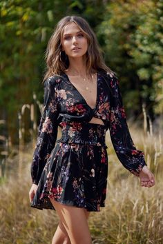 """""""Rompers"""" ~~Rosario Contreras~~ Raves, Boho Look, Bohemian Style, Hippie Chic, Hippie Style, Boho Outfits, Fashion Outfits, California Outfits, Hippie Skirts"""
