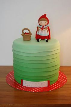 Little Red Riding Hood cake- using Sugar High tutorial.