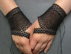 Black fingerless fishnet gloves - tatted lace and crochet