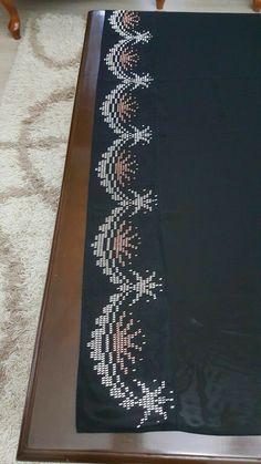 HUZUR SOKAĞI (Yaşamaya Değer Hobiler) Palestinian Embroidery, Crystal Fashion, Weaving Patterns, Bargello, Filet Crochet, Hand Embroidery, Elsa, Diy And Crafts, Cross Stitch