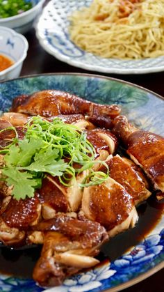 Hong Kong Soya Sauce Chicken - Whole chopped soy sauce chicken ready to serve, with chilli sauce, spring onions and noodles Soya Sauce Chicken, Soy Chicken, Braised Chicken, Chinese Chicken, Chicken Recipes, Soy Sauce, Chicken Rice, Recipe Chicken, Chinese Food