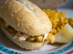 Fried Haddock Sandwich with Sriracha Coleslaw Made June 2013 with catfish. Breading was ok. Fish sandwich with slaw was awesome. Fish Sandwich, Sandwich Shops, Soup And Sandwich, Burger Buns, Burgers, Breaded Haddock Recipe, Fish Recipes, Recipies, Haddock Recipes