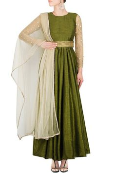 Featuring an olive green silk anarkali with net embroidered sleeves , it comes with a net dew drop dupatta with a light border and kamarband Kurta Designs, Blouse Designs, Indian Dresses, Indian Outfits, Pretty Outfits, Pretty Dresses, Indian Bridesmaids, Western Gown, Indian Attire