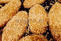 Greek Sweets, Greek Desserts, Greek Recipes, Biscuit Cookies, Cake Cookies, Cupcake Cakes, Greek Cake, Greek Cookies, Cookie Recipes