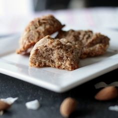 These cinnamon almond flour coconut bites are irresistibly chewy with a perfect crunchy shell! [vegan] ((Not sure if the brown rice syrup fits the Wild Rose Detox. Detox Recipes, Vegan Recipes, Snack Recipes, Dessert Recipes, Snacks, Flour Recipes, Free Recipes, Healthy Treats, Healthy Desserts