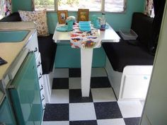 ~ how fun is that checkered floor ~ . . . easy access to the storage under the bench
