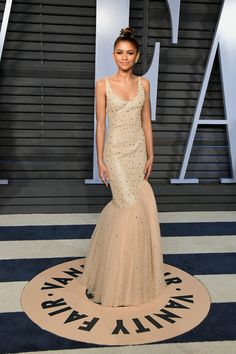 Zendaya attends the 2018 Vanity Fair Oscar Party hosted by Radhika Jones at Wallis Annenberg Center for the Performing Arts on March 4, 2018 in Beverly Hills, California.