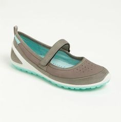 the best walking shoes for a european vacation explore a