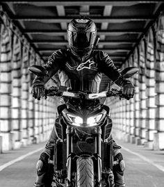 The Black Rider and his horse Yamaha Fz 09, Yamaha Motorcycles, Motorcycle Dirt Bike, Moto Bike, Motos Retro, Shoei Helmets, Biker Boys, Liberty Walk, Super Bikes