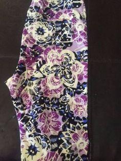 LuLaRoe-Tall-and-Curvy-TC-Black-Floral-Print-Leggings