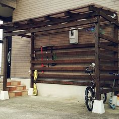 Pergola Attached To House Roof Pergola Attached To House, Pergola With Roof, Pergola Plans, Patio Roof, Diy Pergola, Pergola Kits, Backyard Projects, Diy Wood Projects, Bike Shelter