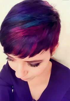 "How to style the Pixie cut? Despite what we think of short cuts , it is possible to play with his hair and to style his Pixie cut as he pleases. For a hairstyle with a ""so chic"" and pointed… Continue Reading → Funky Hair Colors, Cool Hair Color, Purple Pixie Cut, Coloured Pixie Cut, Pixie Hair Color, Short Purple Hair, Colored Hair, Red Purple, Short Hair Cuts"