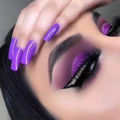 25 New Years' Eve Makeup Looks as Bold as Your Resolutions Perfect Makeup, Cute Makeup, Gorgeous Makeup, Pretty Makeup, Amazing Makeup, Purple Makeup, Colorful Eye Makeup, Makeup Inspo, Makeup Inspiration