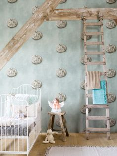 Teal maar dan wat lichter. Bekijk en bestel de behangcollectie online http://www.verfenwand.nl/assortiment/behang/collecties-behang/bn-wallcoverings-essentially-yours