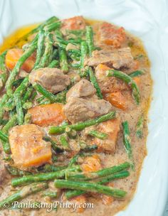 Pork Ginataan with Squash and String Beans – Panlasang Pinoy Pork Ginataan with Squash and String Beans is a rich and delicious Filipino dish that makes use of pork, coconut milk, and vegetables such as squash and string beans. Pork Recipes, Asian Recipes, Cooking Recipes, Healthy Recipes, Ethnic Recipes, Asian Foods, Yummy Recipes, Filipino Desserts, Filipino Food