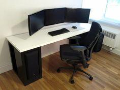 Love the cable management & monitor mounting here. Diy Computer Desk, Der Computer, Pc Desk, Computer Workstation, Workspace Inspiration, Game Room, Home Office Setup, Desk Office, Office Ideas