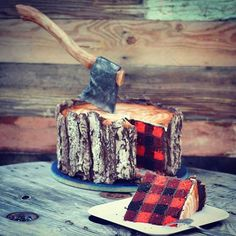 ¡Impresionante! Este pastel de leñador tiene un patrón único adentro y un hacha…