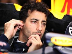 Although Esteban Gutierrez is one of the nicer guys off the track, Daniel Ricciardo reckons he is one of the worst when it comes to blue flags…