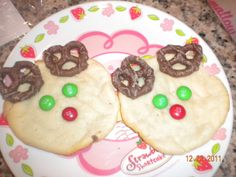 Holiday Treats: Reindeer Cookies