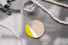 Jaune blanc et gris Sunset  Pendentif ou par CordialementBisou, €13,00