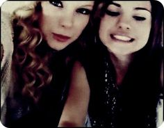 taylor swift and selena gomez Selena And Taylor, Taylor Alison Swift, Taylor Taylor, Selena Selena, Live Taylor, Alex Russo, Taylor Swift Songs, Taylor Swift Pictures, Selena Gomez