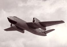 First flying on 10 August, 1951, the Short Sperrin was designed as an insurance against the more ambitious projects under development at Avro and Handley Page. With the success of the Vickers Valiant however, the end was brought prematurely for the off-shoot 4th V-Bomber; just two examples flew as test-beds until 1957/58.