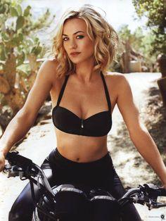 Yvonne Strahovski is an Australian actress. Born in Australia to Polish immigrant parents, Strahovski speaks Polish and Australian English. Wikipedia