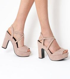 Discover the latest trends at New Look. Nude High Heels, High Heel Pumps, Pumps Heels, Black Casual Shoes, Shoe Gallery, Formal Shoes, Platform Shoes, Chunky Heels, Character Shoes
