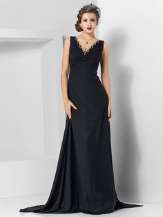 TS Couture® Formal Evening / Military Ball Dress - Elegant Plus Size / Petite Sheath / Column V-neck Watteau Train / Sweep / Brush Train Chiffon - USD $69.99 ! HOT Product! A hot product at an incredible low price is now on sale! Come check it out along with other items like this. Get great discounts, earn Rewards and much more each time you shop with us!