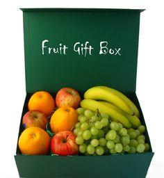 fruitmandje Fruit Gifts, Fruit Box, Get Well Gifts, Gift Wrapping, Wrapping Ideas, Fresh Fruit, Gift Baskets, Packaging, Apple