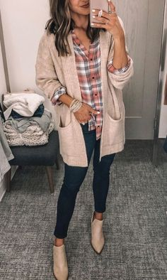 Check Out Latest and stylish Long cardigan Women Winter Outfits Source by dress casual Winter Outfits Women, Casual Winter Outfits, Winter Fashion Outfits, Fall Outfits, Jeans Outfit Winter, Stylish Outfits, Cute Cardigan Outfits, White Cardigan Outfit, Comfortable Winter Outfits
