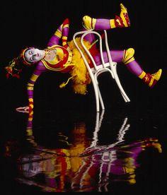 chair Circus Acts, Dark Circus, High Fashion, Neon Signs, Bird, Chair, Green, Image, Cirque Du Soleil