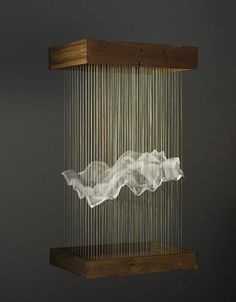 MAGGIE CASEY: Hanging Cloud thread silk organza copper tacks wood Casey creates mathematical structures informed by her education in weaving. She refers to these structures as 'hanging tapestries' Hanging Clouds, Instalation Art, Hanging Tapestry, Land Art, Light Art, String Art, Oeuvre D'art, Sculpture Art, Amazing Art